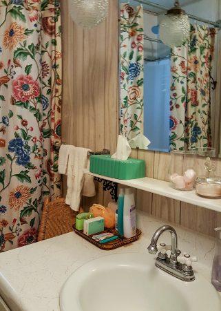Walnut Acres Bathroom